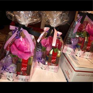 3fe35a14dd42f VS Victoria secret Mother's Day Gift Basket Set ❤️ NWT